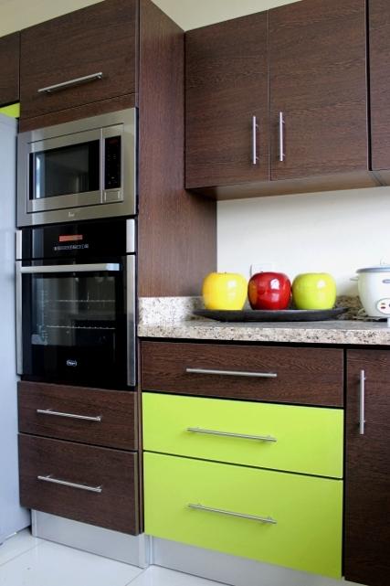Detalle cocina con verde