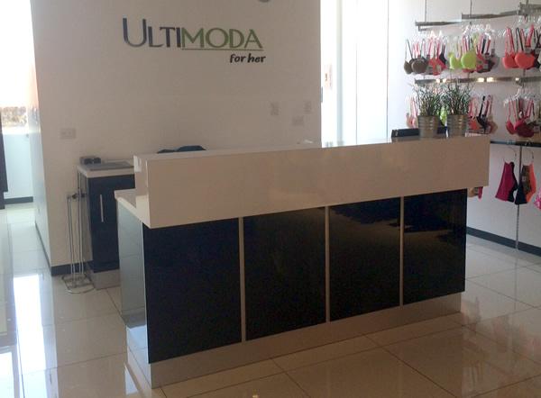 Mueble especial para una tienda muebles segura for Muebles para almacen