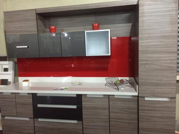 Mueble cocina tonos de gris y rojo muebles costa rica for Muebles de cocina gris